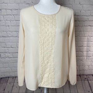 Jon and Anna blouse w/ lace down front